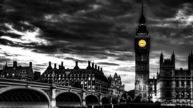 London wallpaper 35