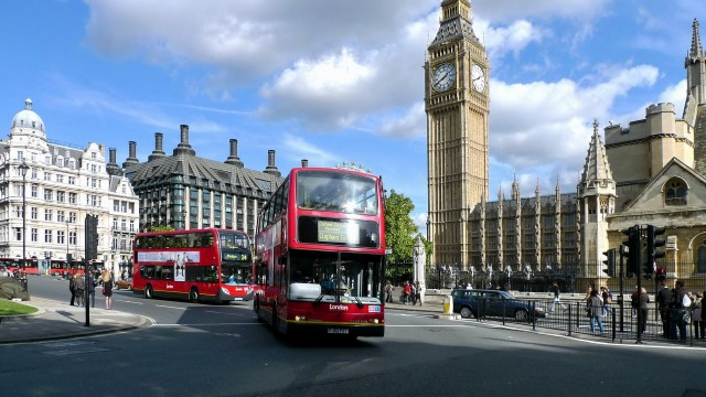 London wallpaper 37