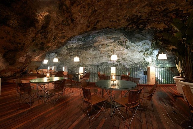 Grotta Palazzese-Amazing Italian Restaurant Carved Into A Cliff--4