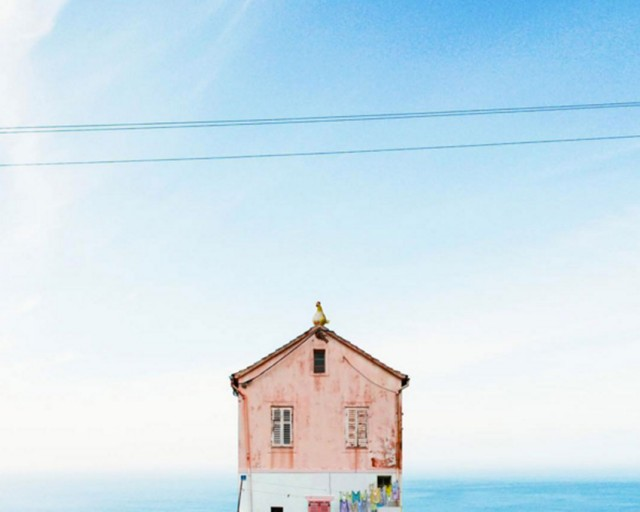26 Lonely Houses Around The World That Are A Small Paradise--14