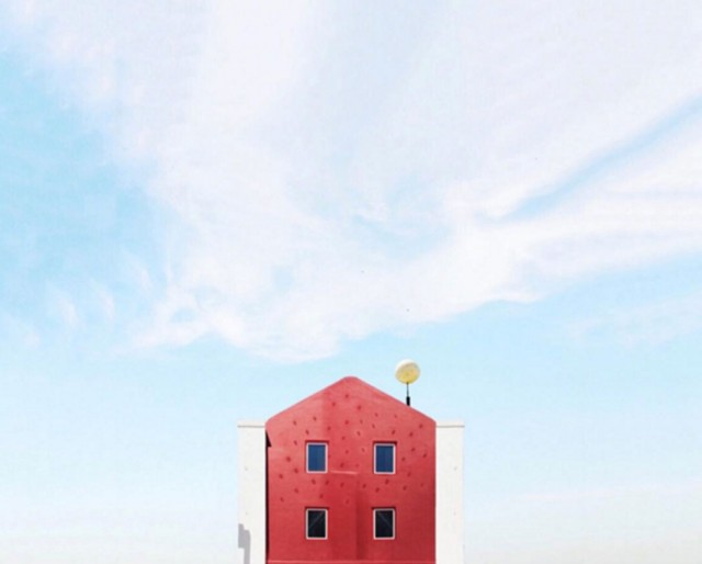 26 Lonely Houses Around The World That Are A Small Paradise--16