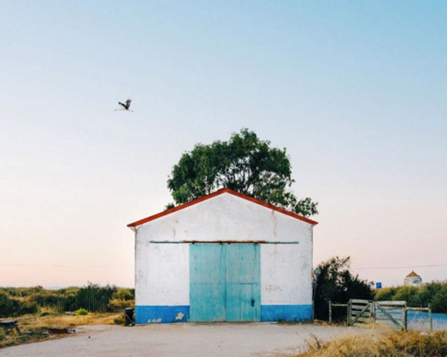 26 Lonely Houses Around The World That Are A Small Paradise--4