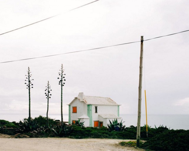 26 Lonely Houses Around The World That Are A Small Paradise--8