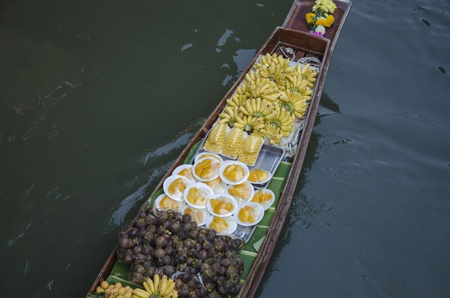 Damnoen Saduak-This Floating market Is A Symbol Of Traditional Thai Culture--5
