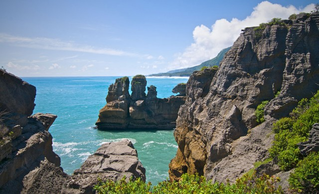 Pancake Rocks-The Amazing Rocky Structures Sculpted By Ocean Waves--16