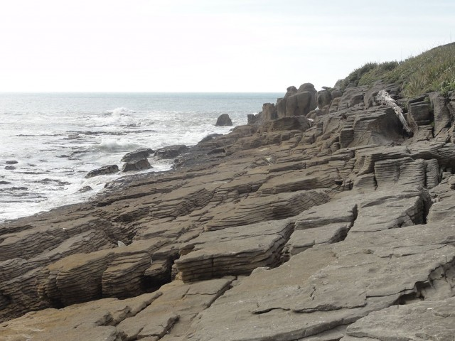 Pancake Rocks-The Amazing Rocky Structures Sculpted By Ocean Waves--8