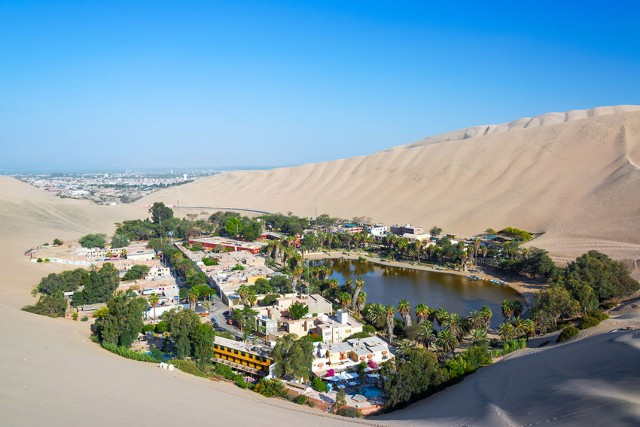 Huacachina-The Beautiful Small Village Built Around Peruvian Desert Oasis-