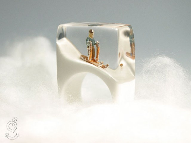 Isabell Manufactures Adorable Rings That Contain Small Scenes Of Everyday Life--1