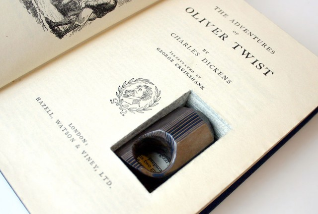 Jeremy Gives New Life To Old Book Pages Turning Them Into Delicate Jewelry--16