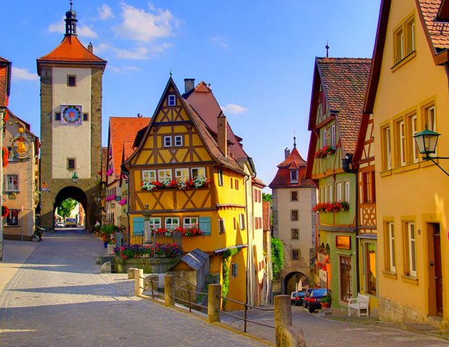 15 Picturesque Villages That Seem Straight Out Of A Fairy Tale--4