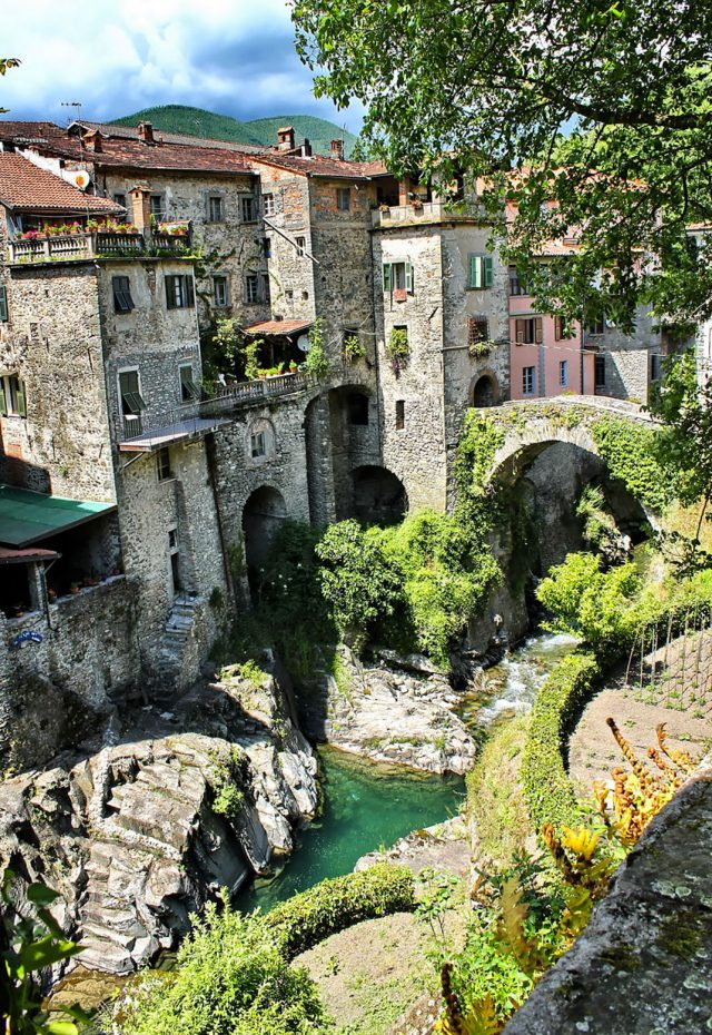 15 Picturesque Villages That Seem Straight Out Of A Fairy Tale--6