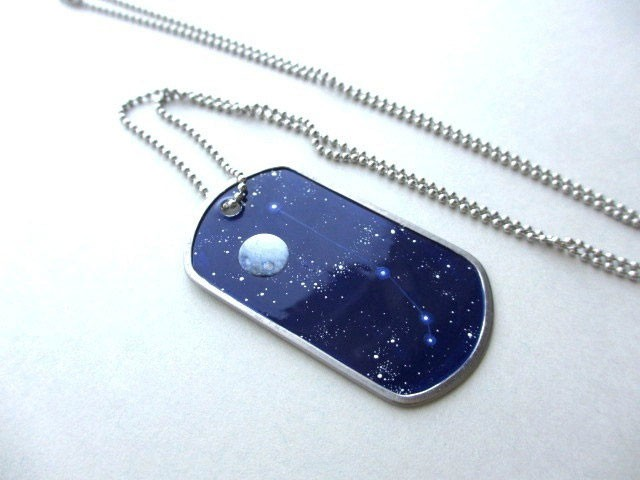 This Amazing Jewlry Contains Meticulous Cosmos Paintings Of Our Beautiful Universe--17