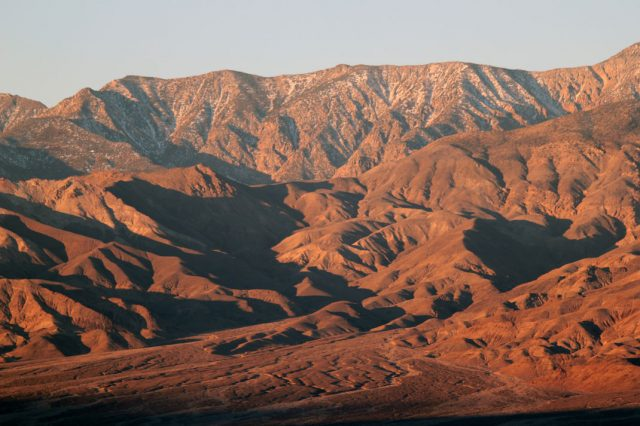 Travel The Legendary Death Valley, This Desert Region That Stretches To The Horizon--11