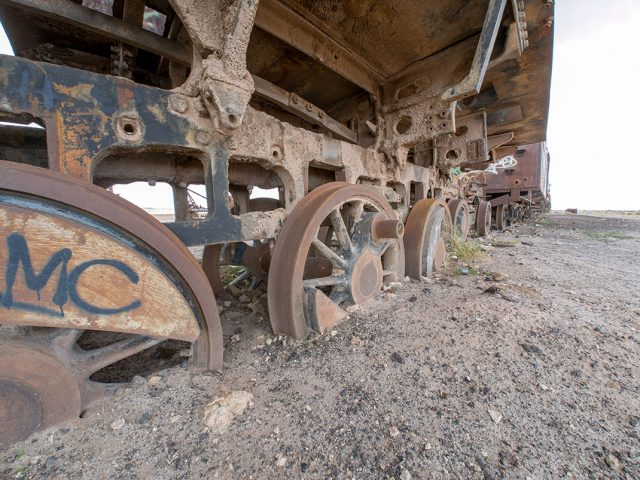 Desolate Beauty of These Abandoned Locomotives In Bolivian Desert--1