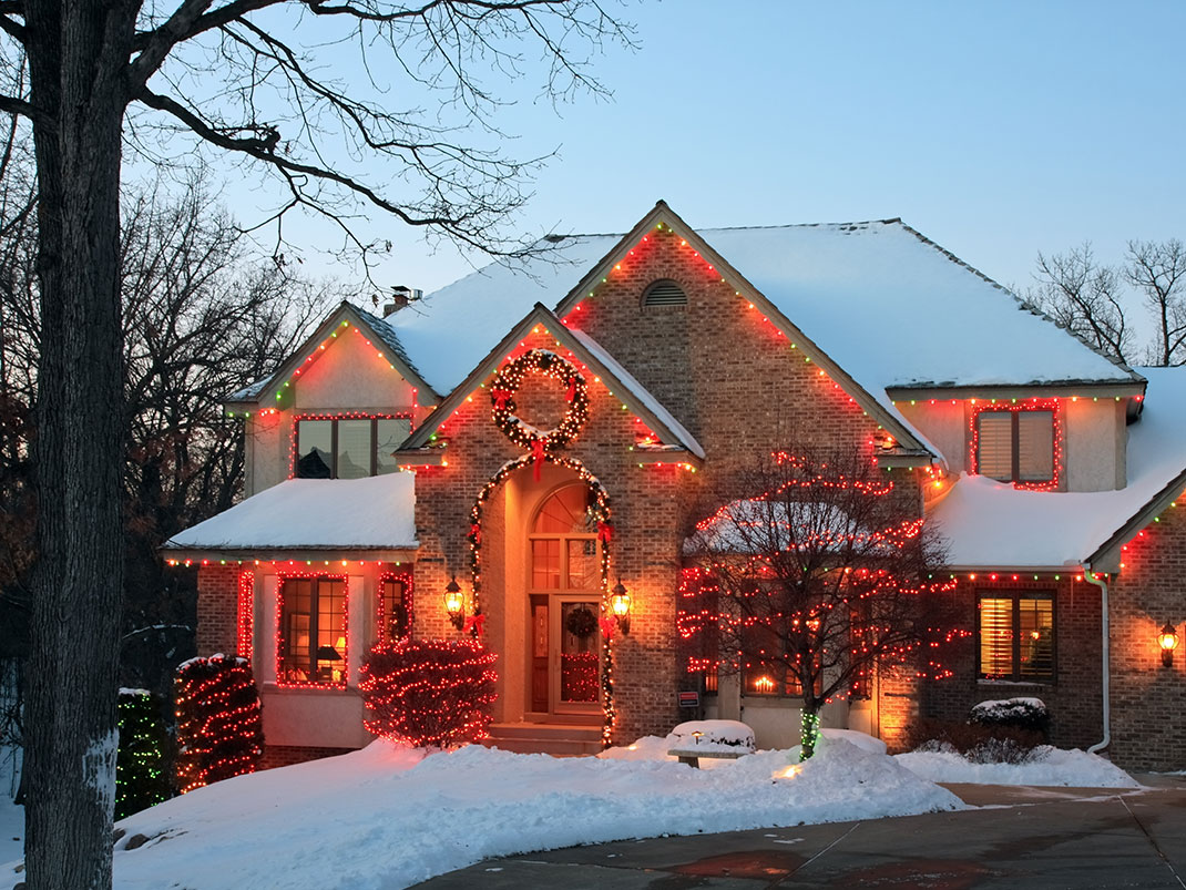 23 Most Beautifully Decorated For Christmas Season
