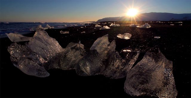 Iceland unveils its haunting landscapes--19