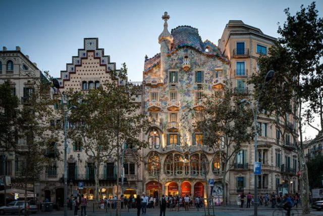 The 8 Most Sumptuous Works Of Legendary Architect Antoni Gaudi--4