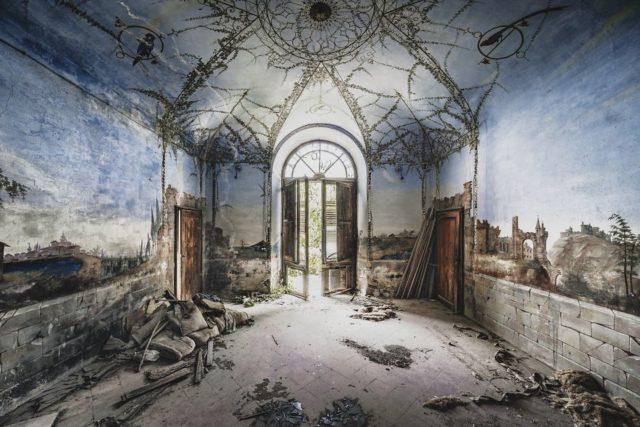 Stunning Fresco In This Italian Villa