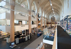 A Fifteenth Century Gothic Cathedral Transformed Into A Big Library-1