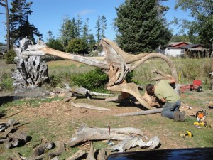 Jeffro makes impressive sculptures made only with wood-14