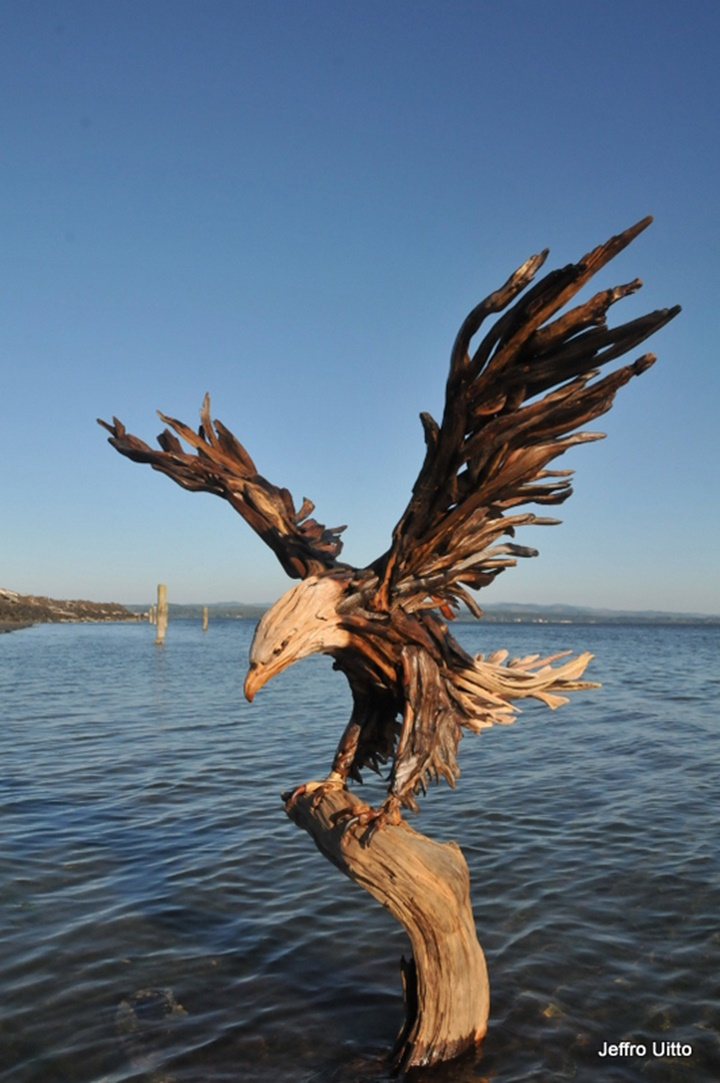 Jeffro makes impressive sculptures made only with wood-26