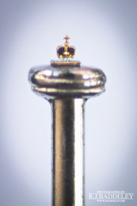An Artist Creates Amazing Miniature Sculptures Of The Size Of A Sewing Needle Pinhead-2