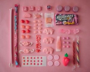 An artist Uses Matching Colors To Give A Dazzling Look To Everyday Objects-22