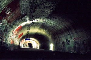 Visit The Amazing Abandoned Ghost Metro Stations Of Paris-15