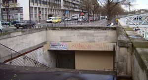 Visit The Amazing Abandoned Ghost Metro Stations Of Paris-9