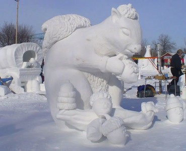 Awesome Ice Sculptures That Will Make Traditional Snowman Jealous-13
