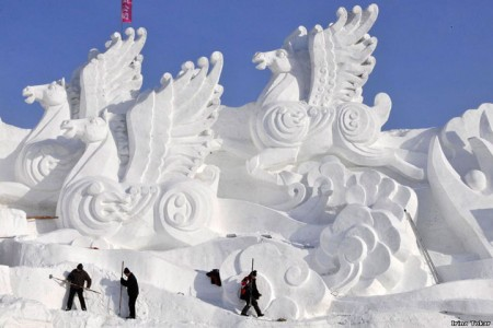 Awesome Ice Sculptures That Will Make Traditional Snowman Jealous-18