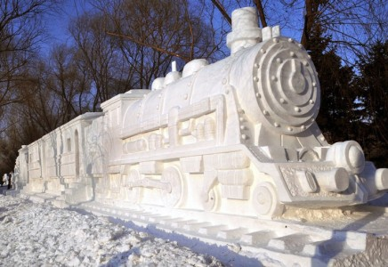 Awesome Ice Sculptures That Will Make Traditional Snowman Jealous-2