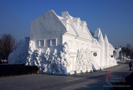 Awesome Ice Sculptures That Will Make Traditional Snowman Jealous-5