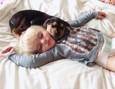 Jessica A stunning Series Of Photograph Immortalizes The Friendship Between A Baby And A Puppy-13