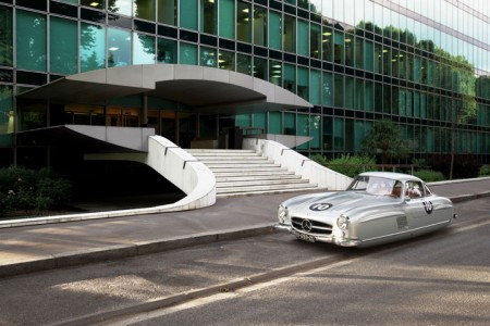 Futuristic Flying Cars' Concept Using Iconic Vintage Cars -4