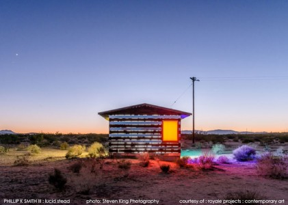 High Desert: An Invisible Hut In The Middle Of The Californian Desert-13