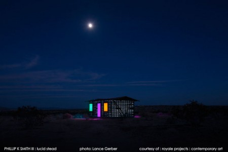 High Desert: An Invisible Hut In The Middle Of The Californian Desert-18