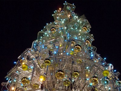 Most Wacky And Non-Traditional Christmas Trees -13