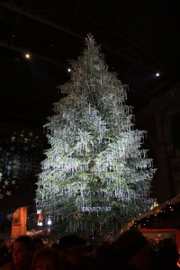 Most Wacky And Non-Traditional Christmas Trees -5