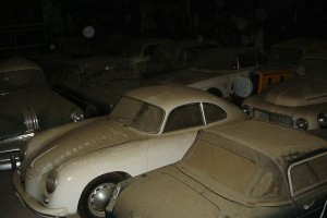 A retired couple finds a tresure in a farmhouse, a collection of vintage cars-11