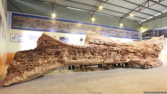 An Artist Makes World's Most Spectacular And Longest Wooden Sculpture-1