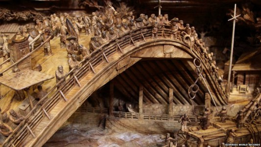 An Artist Makes World's Most Spectacular And Longest Wooden Sculpture-4
