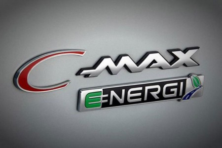 C-Max Energi Solar: Ford's New Electric Hybrid Concept Car Recharged By Solar Panels-3
