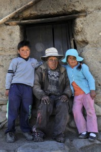 Meet Carmelo Flores Aged 123 years: The World's Oldest healthy Man Alive-3