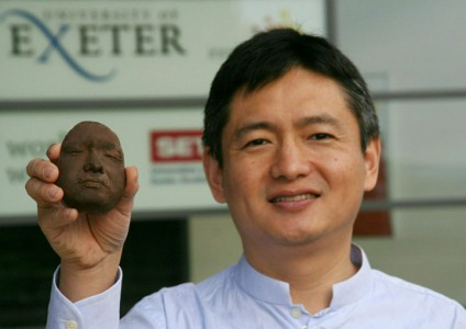 You Can Finally Eat Chocolate Sculpture Of Your Face Using 3D Printing Technology (Video)-6