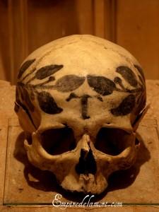 Top 14 Creepy Monuments Erected With Human Bones And Skulls-12