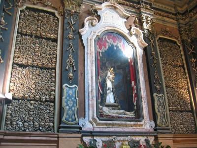 Top 14 Creepy Monuments Erected With Human Bones And Skulls-28