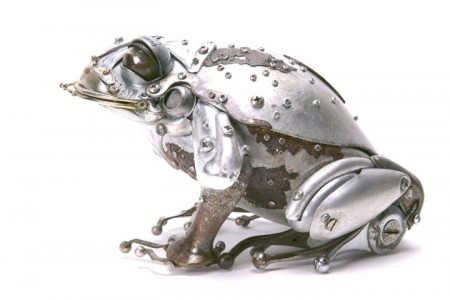 Marvelous Metallic Animal Sculptures Made Using Everyday Objects -14