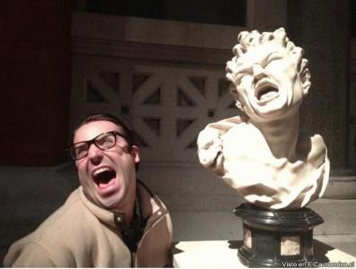 22 People Caught Having Fun In The Museum-3
