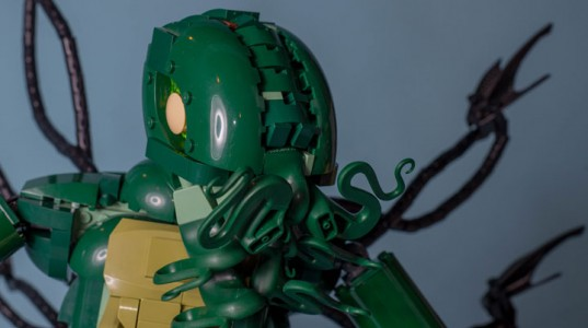A Passionate Creates Realistic Sculptures Of Pop Culture Icons With LEGO-15